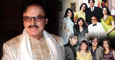 Sanjay Khan pens his autobiography 'My Best Mistakes'!