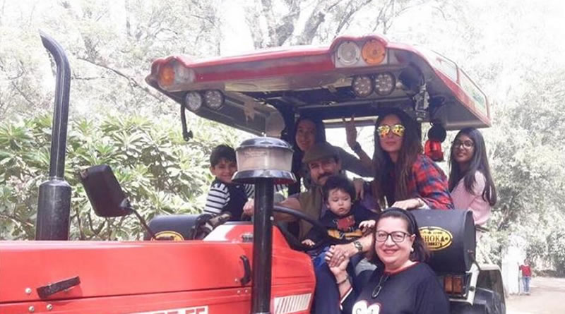 Taimur's tractor ride with dad Saif Ali Khan!