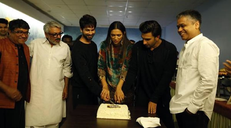 The Padmavat team celebrates to enter in 100 crores club!