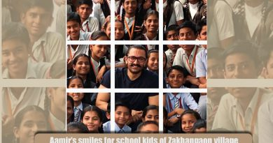 Aamir Khan's smiles for school kids of Zakhangaon village!